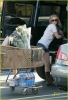 hilary-duff-grocery-shopping-10.jpg